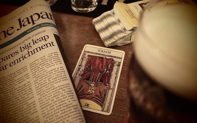 Checking In Between Readings: New Tarot Format